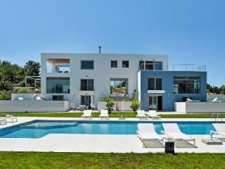 Luxurious Contemporary Villa Modern Corfu with Pool & Sea Views - Close to Beach - Kato Korakiana vacation rentals