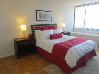 Beacon Hill Lux 1BR w/pool & WiFi - Boston vacation rentals