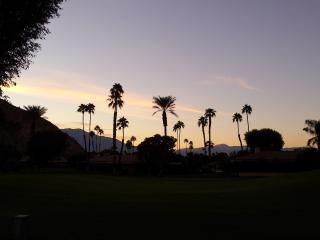 Gorgeous Mountain View!!! PetsOK! BBQ WiFi 50''TV - Palm Desert vacation rentals