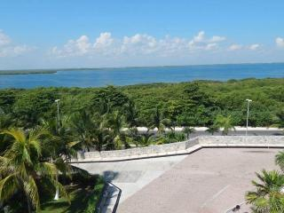 Cancun Resort. Great Lake View. #5 - Acanceh vacation rentals