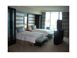 Fontainebleau Oceanfront Condo 2 Queens & Sofa bed - North Miami Beach vacation rentals
