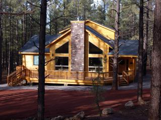 Nice Cabin in Grand Canyon National Park with Deck, sleeps 10 - Grand Canyon National Park vacation rentals