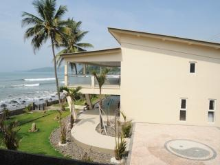 4 bedroom House with Deck in Cisolok - Cisolok vacation rentals