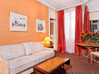 Eiffel Tower Parisian Home One Bedroom - Paris vacation rentals