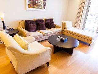 CHEAP & NICE! FamilyFriendly CENTRAL MTR CLEAN BIG - Hong Kong vacation rentals