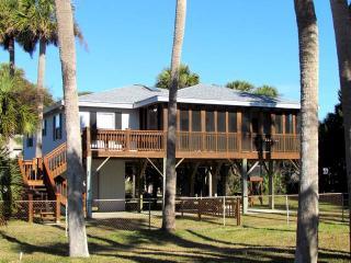 "420 Pompano St - ""Fiddler"" - Edisto Beach vacation rentals"