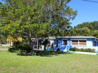 Charming bungalow in downtown Punta Gorda! - Punta Gorda vacation rentals