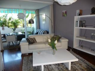 Charming Apartment with A/C and Television in Saint-Gilles-Les-Bains - Saint-Gilles-Les-Bains vacation rentals