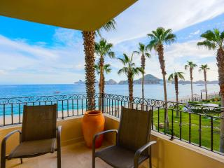 Beachfront Studio with Kitchenette - 2nd Floor - Medano Beach and Lands End Views! - Cabo San Lucas vacation rentals