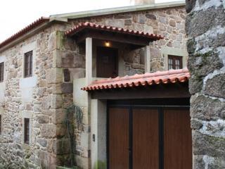 Casa D'Campo Ferreira | Holiday rural home| Pitões - Pitoes das Junias vacation rentals