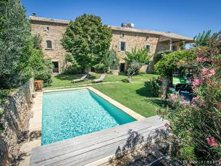 Perfect 4 bedroom Farmhouse Barn in Uzes with Internet Access - Uzes vacation rentals