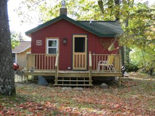 Bunk House - Mackinaw City vacation rentals