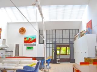 Massive Artist Loft, light,terrace, Paris 3B 2b - Magny-le-Hongre vacation rentals