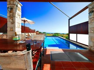 2BD Modern Villa with private pool - Kamisiana vacation rentals