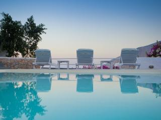 VILLA WITH PRIVATE POOL AND STUNNING VIEW - Santorini vacation rentals