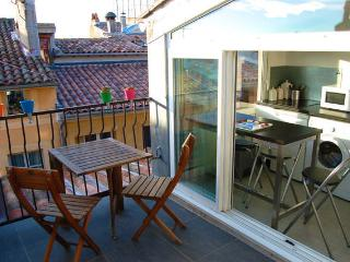 Romantic Aix-en-Provence Apartment rental with Satellite Or Cable TV - Aix-en-Provence vacation rentals
