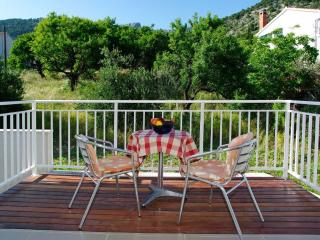 Perfect 2 bedroom Bol Apartment with Internet Access - Bol vacation rentals