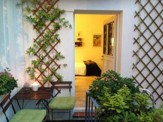 Romantic studio in the centre of Nice - Nice vacation rentals