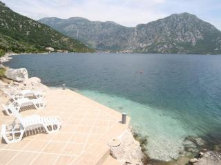 Comfortable 3 bedroom Villa in Perast - Perast vacation rentals
