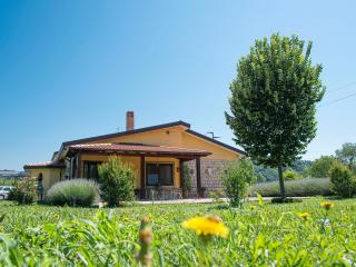 Country House CASE di STRATOLA - Montella vacation rentals