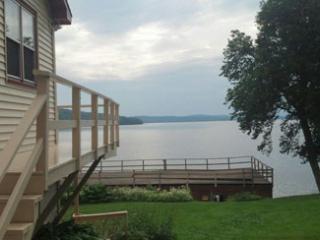 3 bedroom Condo with Deck in Rangeley - Rangeley vacation rentals