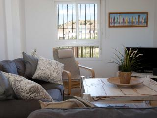 Nice Townhouse with Internet Access and Dishwasher - Tarifa vacation rentals