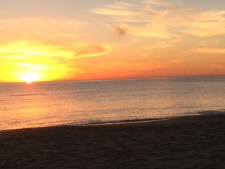 Beautiful 4 Bed, 4 Bath w/ A/C & 1 Block to Beach - Punta del Este vacation rentals