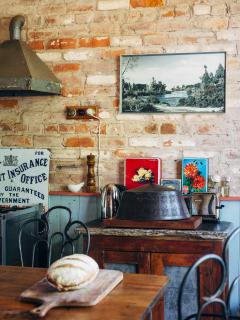 The Diggers Store B&B: self contained 1850s stable - Castlemaine vacation rentals