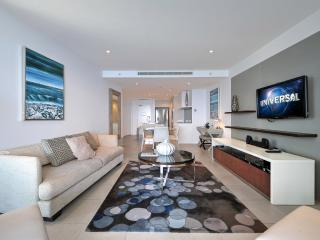 Sunny Condo with Dishwasher and Television - Surfers Paradise vacation rentals