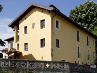 Castello di Grillano - Guest House - Dulcamara - Ovada vacation rentals