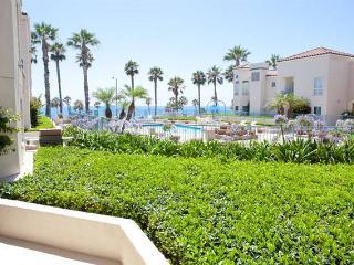 Ocean Front 2 Bdrm Condo w/Parking (Sleeps 6!) - San Diego County vacation rentals
