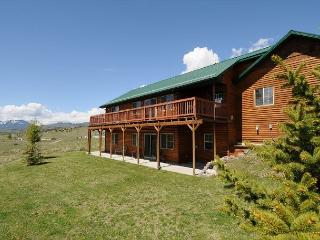 Gorgeous House in Emigrant with Internet Access, sleeps 8 - Emigrant vacation rentals