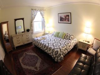 Toronto Garden Inn Bed and Breakfast - Toronto vacation rentals