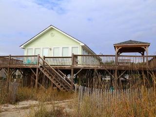 "518 Palmetto Blvd.- ""Decked Out"" - Edisto Beach vacation rentals"