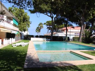 DUPLEX APARTMENT for 6 guests, POOL, BEACH - Playa de Muro vacation rentals