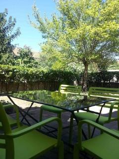 Adorable 2 bedroom Nîmes House with Internet Access - Nîmes vacation rentals