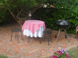 Cozy Studio in Cape Agulhas with Internet Access, sleeps 2 - Cape Agulhas vacation rentals