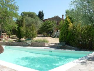 Lovely Farmhouse Barn in Panicale with Central Heating, sleeps 8 - Panicale vacation rentals