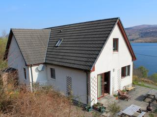 Bright 4 bedroom Ullapool Cottage with Internet Access - Ullapool vacation rentals