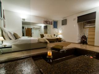 Gorgeous 1 bedroom Apartment in Lesa - Lesa vacation rentals