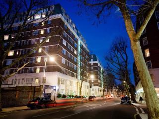 1 Bedroom Kensington Apartment near Sloane Square - London vacation rentals
