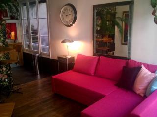Spacious Retro Chic Vacation Rental in Central Paris - Paris vacation rentals