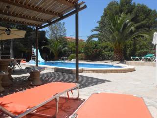 Comfortable Villa with Internet Access and A/C - L'Ametlla de Mar vacation rentals