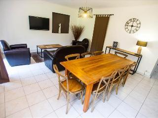 Villa albizzia à 5min de Calvi à 3 km des plages, jardin, piscine chauffée - Calvi vacation rentals