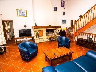 """Villa """"Camelia"""" : 5 chambres et piscine commune chauffée et spa - Calvi vacation rentals"""