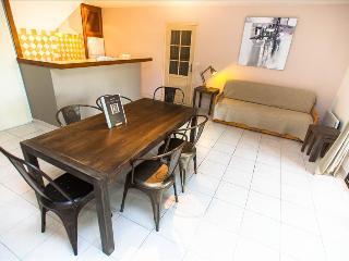 """Bel appartement """"figuier"""", très spacieux avec son grand jardin  à 5min des plage - Calvi vacation rentals"""