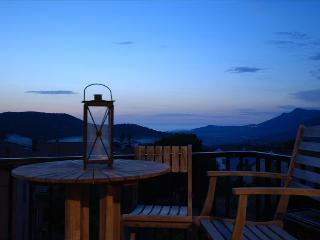 """Appartement """"terra""""  à  Calenzana, lumineux et très fonctionnel ambiance """"village"""" - Calenzana vacation rentals"""