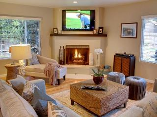 3559 Casa Amorosa Pacifico ~ Five Minute Walk to the Ocean & Golf! - Pacific Grove vacation rentals