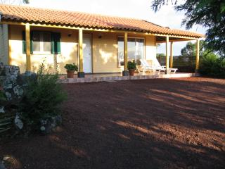 2 bedroom Cottage with Internet Access in Livramento - Livramento vacation rentals