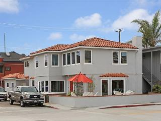 Single Family Beach Home! 1 House from the Bay! View! (68215) - Newport Beach vacation rentals